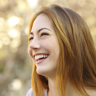 get porcelain veneers in Kelowna